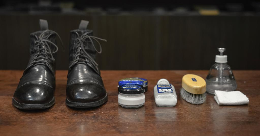 วิธีดูแลรองเท้าหนังผิวเรียบทั่วไป (HOW TO CARE SMOOTH LEATHER) 1
